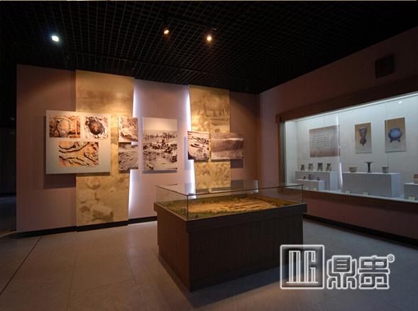 怎样的博物馆玻璃展柜公司更适合你?来鼎贵公司看看就知道了!
