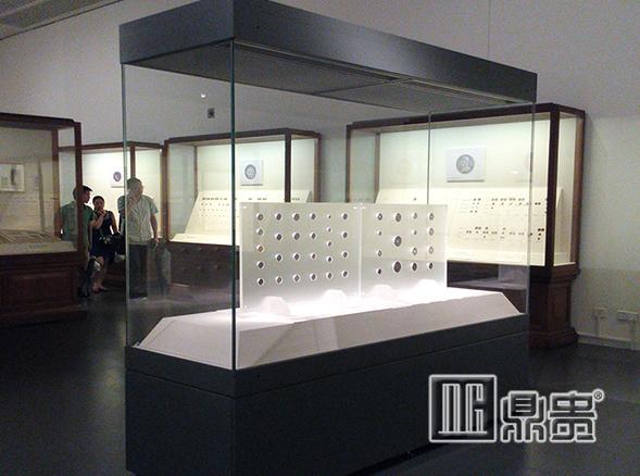 鼎贵博物馆书画玻璃展柜厂家敬畏博物馆展览的每一处精细工艺