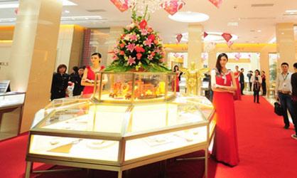 黄金展柜、黄金展示陈列柜这样设计,瞬间提升进店率