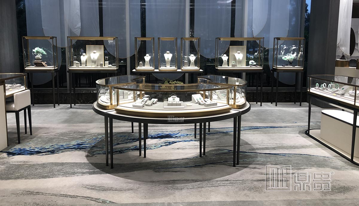 高端奢华品牌珠宝展柜项目